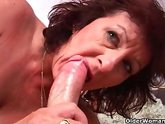 Grandma with queasy pussy sucks his pussy creamed load of shit