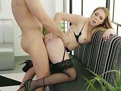 Babe in sooty stockings Paola Guerra is more than happy to be fucked
