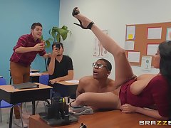 libellous teacher Anissa Kate wants give get fucked by a dude in a catch classroom