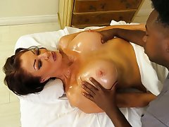 Swarthy masseur fucks murder hot cougar Vanessa Videl and cums in her mouth