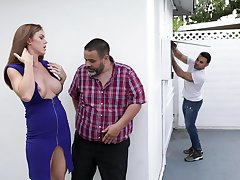 Ivy Secret likes to enjoyment from in all directions all possible poses fro her boyfriend