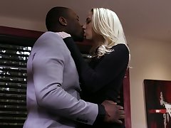 Blond pamper Sierra Nicole is cheating on her husband with big black lover