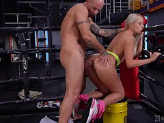 Sporty peaches whore Angelika Grays is brutally anal banged overwrought board
