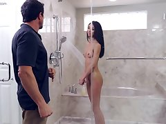 Jada Unfocused gets fucked by her stepdad in the shower