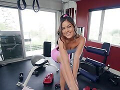Full POV sex with a sexy Asian while onwards gym