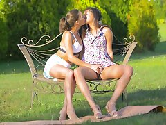 Sweet babes share the sunny afternoon masturbating