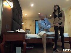 Petite Thai prostitute is enjoying that tourist's cock